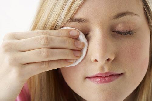 Image result for dưỡng mắt đắp mặt nạ