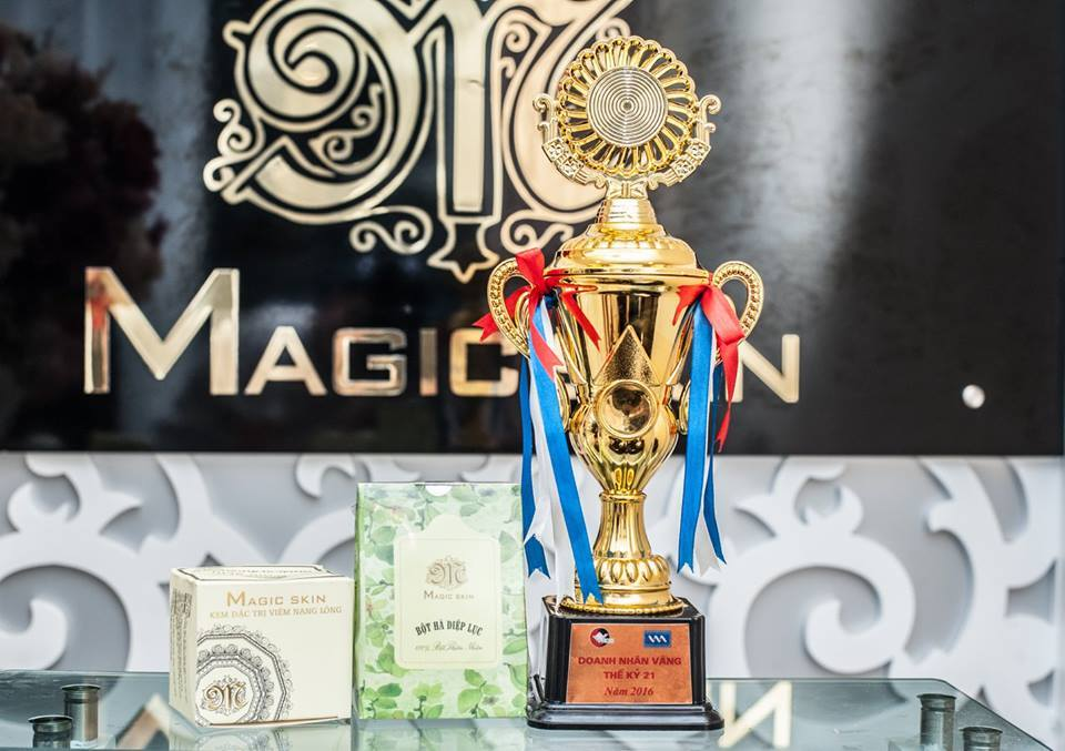 kem-dac-tri-viem-nang-long-magic-skin-vmp2